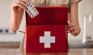 Аптечка — контейнер, содержащий медикаменты и медицинские средства для экстренного реагирования