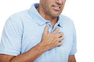 Чувство сдавливания в районе грудной клетки