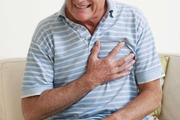 Боль в левой области грудины