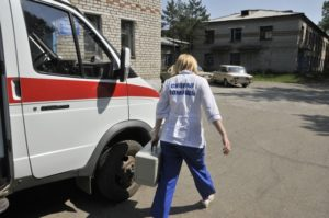 Вызов скорой помощи необходим в любых случаях интоксикации