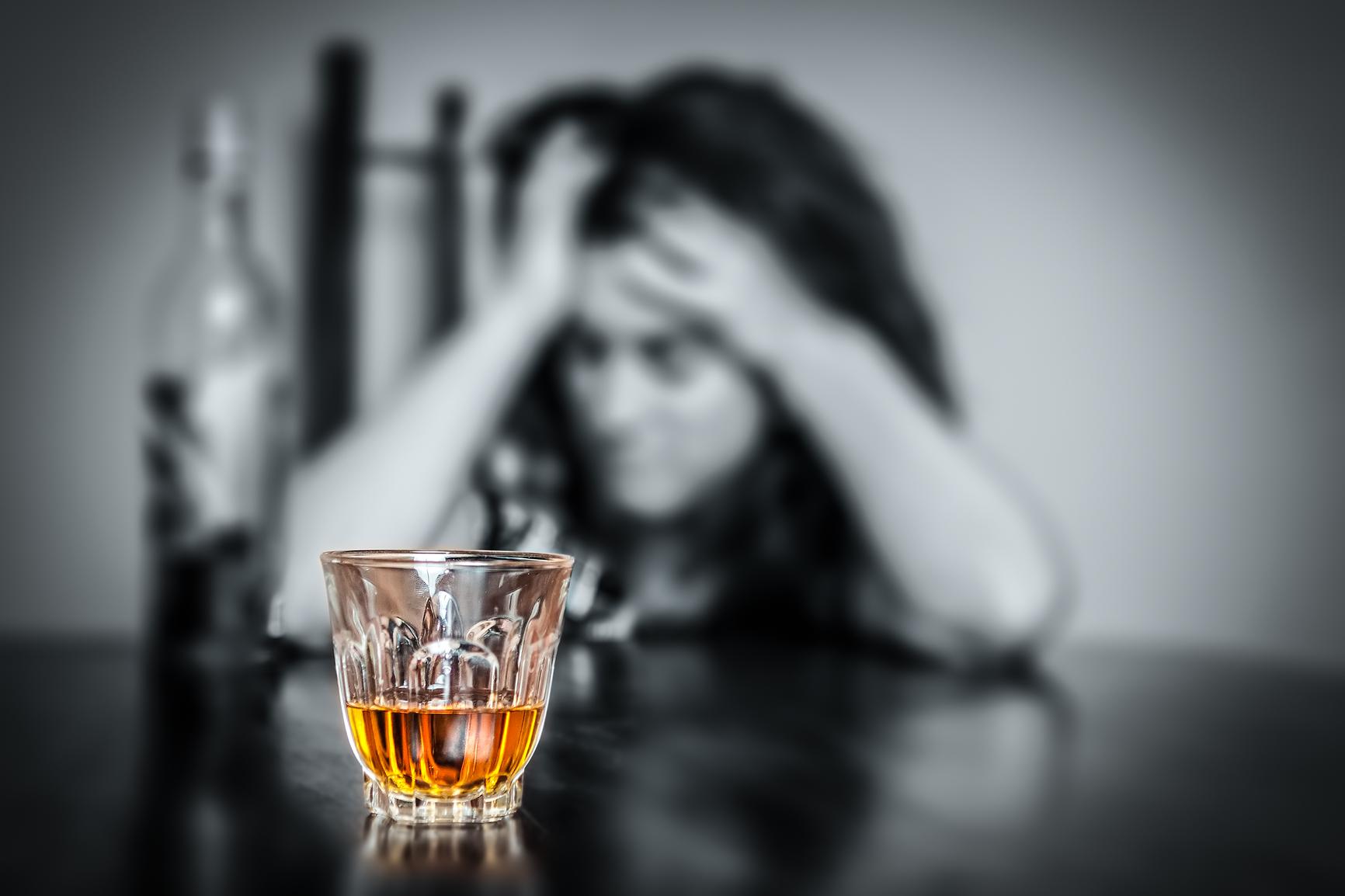 Симптомы алкогольной интоксикации зависят только от количества употребленных напитков и от их качества