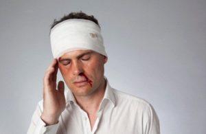 Из-за травм нарушается поступление кислорода к тканям, а также мозговые функции