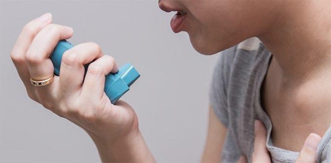 Отек часто сопровождается приступом бронхиальной астмы